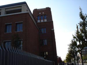 同志社大学 良心館(上立売通から見上げる)