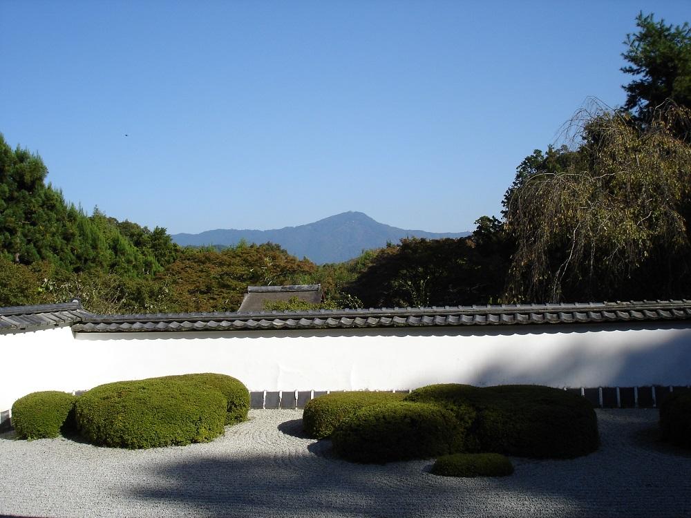 正伝寺 方丈前 比叡山を借景にした眺め