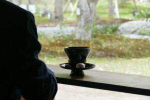 京都旅行 抹茶と団子で一息ついているところ