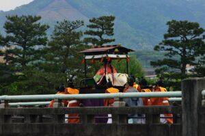 葵祭 腰輿に乗る斎王代